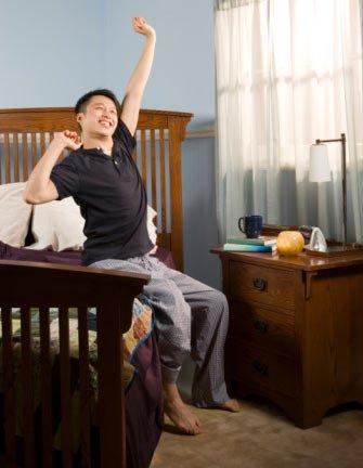 养生提示:一日之计在于晨 晨起的三做四不做