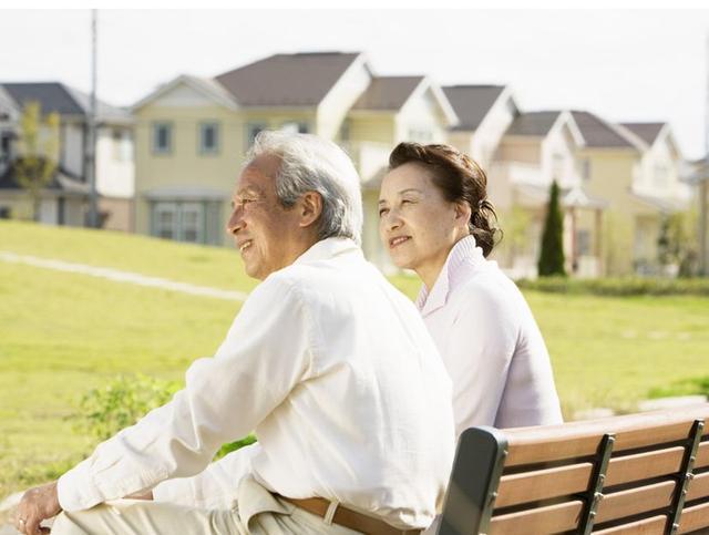 老了警惕身体变硬,柔韧性差容易骨折