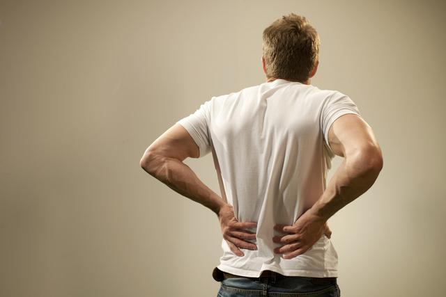 注意:小结石久拖伤肾,容易产生大危害!