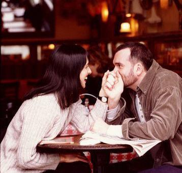 婚恋心理:过分嫉妒的感情其实易失控
