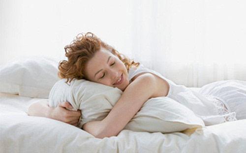 爱睡懒觉容易变傻 4大食物帮你远离瞌睡虫