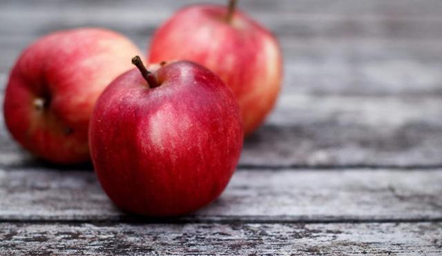 中医专家告诉你:每天吃苹果 毛病绕道走