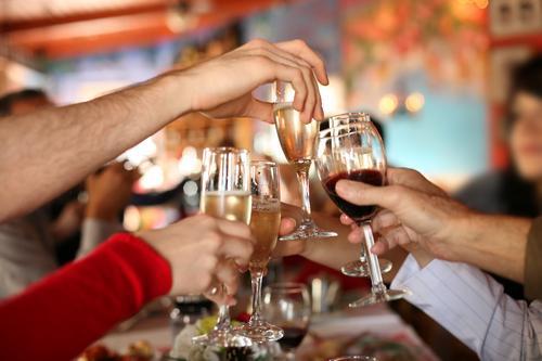 健康警惕:喝酒脸红是中毒 不能当做是海量
