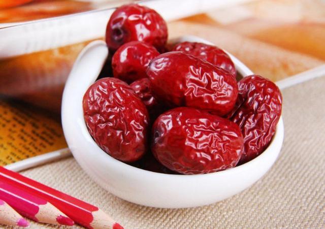 吃红枣能够补血?可是这几类女性要慎吃