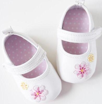 """妈妈为孩子买童鞋的四个""""不"""""""