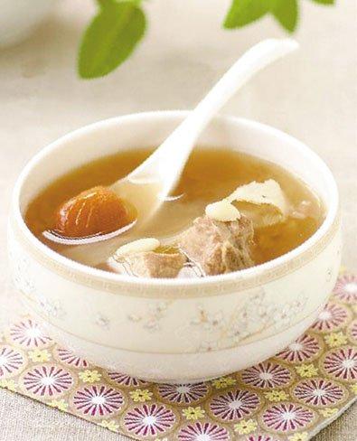 冬日煲汤有六个窍门:乱加料不补反伤身