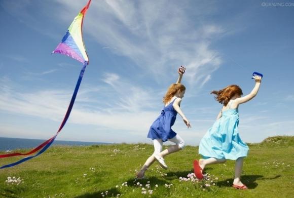 专家解读:春季放风筝踏青有助预防近视