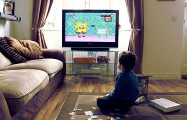 小孩多看电视患远视 中医气功五招防远视