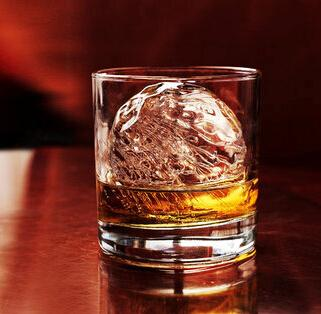 喝酒的7大惊人好处 男人适量饮酒有益无害
