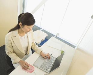 女性上班族警惕:女性上班久坐易致不孕