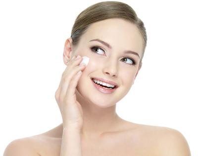 牙膏能祛粉刺 俄媒解析五大护肤窍门优缺点