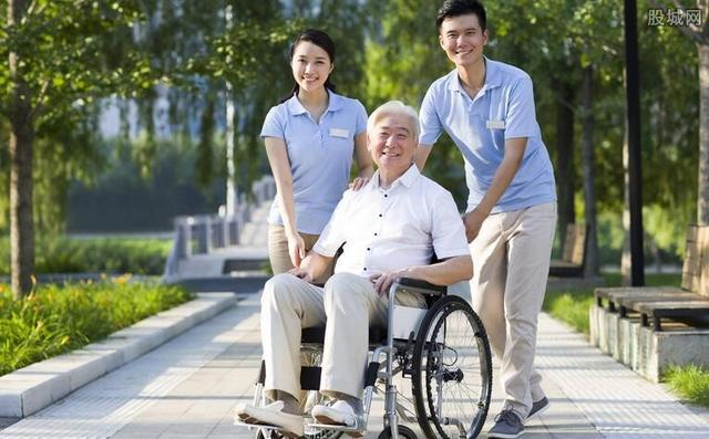 65岁以上老年人每年免费体检无户籍限制