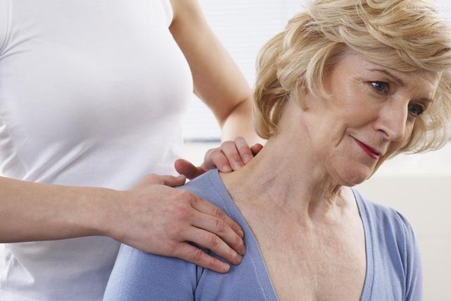 有些颈椎病根子在胸椎,不能忽视做好预防