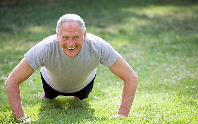 做好家庭护理+运动 慢阻肺老人安然过冬