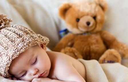 开灯睡长不高?宝宝睡觉不能犯的错误