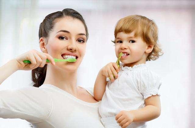 这样刷牙竟是错误的!五种常见错误刷牙法