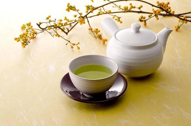 香茶一杯健康益处多,但5种情况不宜喝