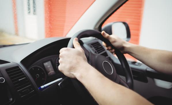 注意!长时间开车,放个腰枕助放松!