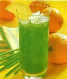 春季11款瘦身饮品:来个胡萝卜西兰花辣椒汁