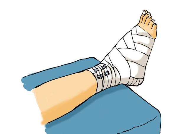 专家提醒:伤口上抹药会面临毁容的风险