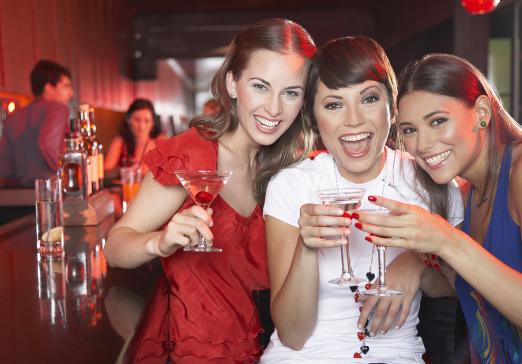 研究发现:女性饮酒比男性更容易会伤肝