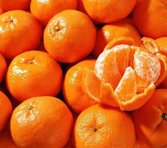 一个橘子能治病 这样吃发挥养生功效!