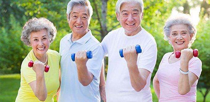 """老年人锻炼要遵循""""轻、柔、慢、短""""原则</"""