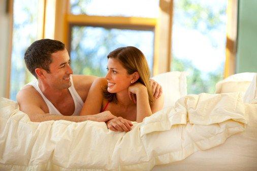 两性养生:每周行三次房事 女性皮肤更光滑