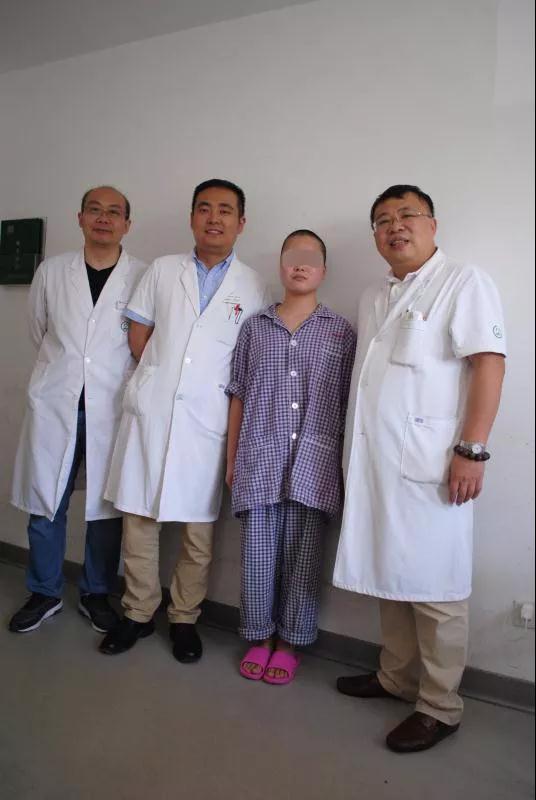 开颅手术中患者苏醒 医生一边聊天一边切除肿瘤 这是什么操作?