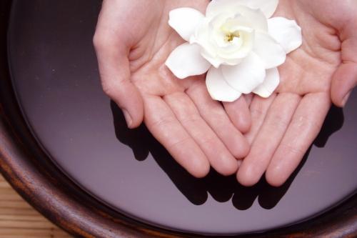 保健:远离冬季皮肤干燥 公布手足护理小窍门