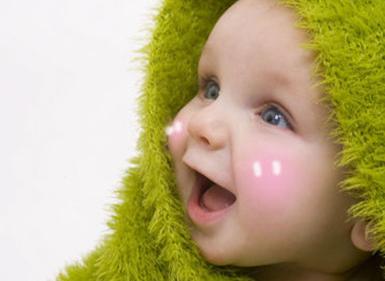 冬季宝宝皮肤皲裂应如何防治?