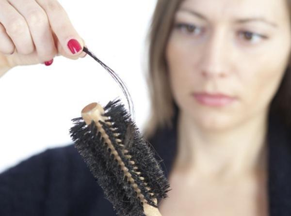 秋季更易掉头发?每天脱发一百根以内正常