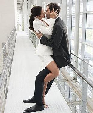 最受男女喜爱的性爱姿势大合集_频道_腾讯网