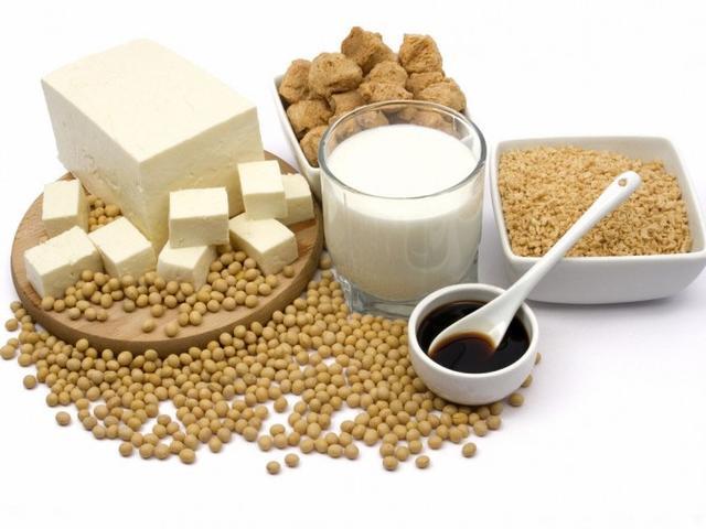 确认多摄入植物蛋白质有助于预防绝经期提前,多摄入动物蛋白质没有