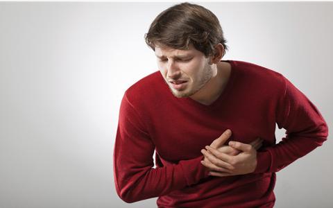 过度劳累会引发心绞痛 心绞痛勿搬抬重物