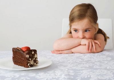 4种零食孩子不能吃 如何控制吃零食的量?