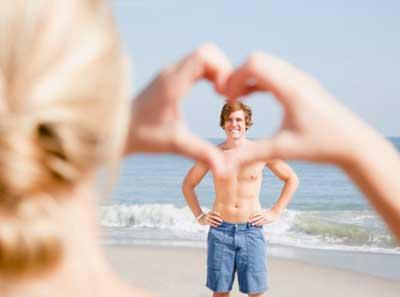 恋爱心理:察觉异性暗恋你的八大信号!