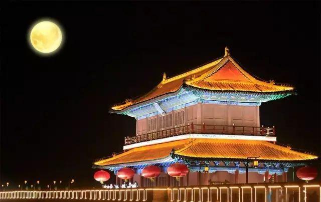 俯瞰韵味古城夜 将记忆留在最美时光里