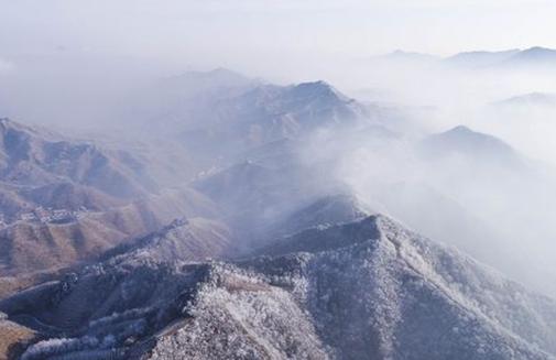 唐山遵化:山区现雾凇景观