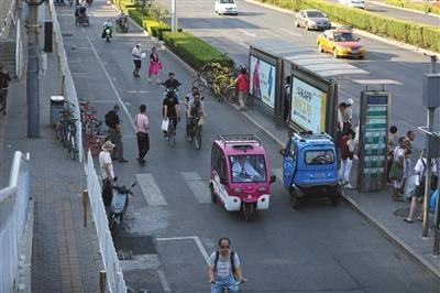 老年代步车禁售 多家商户转地下交易