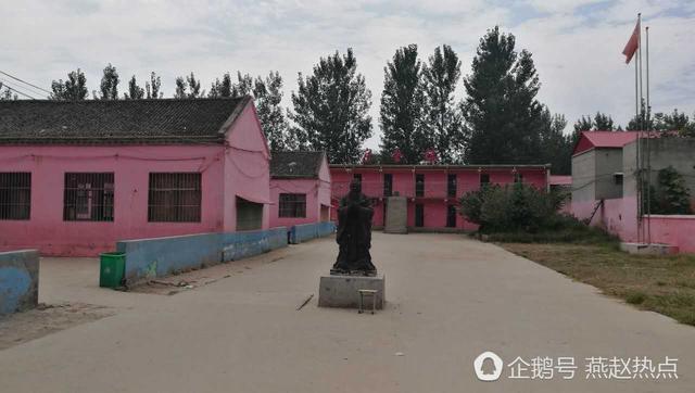 """河北魏县""""孔子学堂""""收取学生十余万学费后关门"""