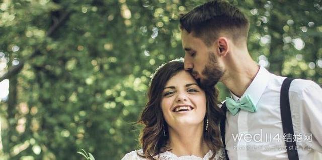 新人拍婚礼照时的六个小贴士 教你拍出完美婚礼照片