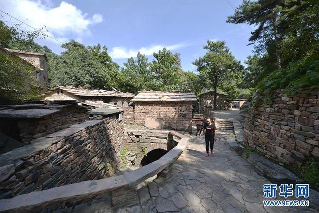 (社会)(5)探访太行深山古村落——英谈石寨