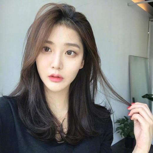 韩式中长发卷发 小清新风格很招人爱