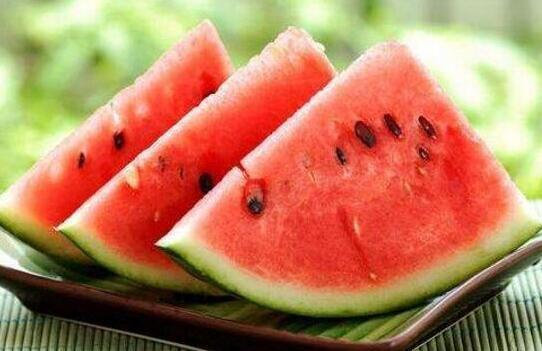 夏天水果这么吃才健康,你知道吗?