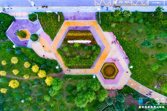 图为崇礼区城区街边公园。新华网王立鹏摄
