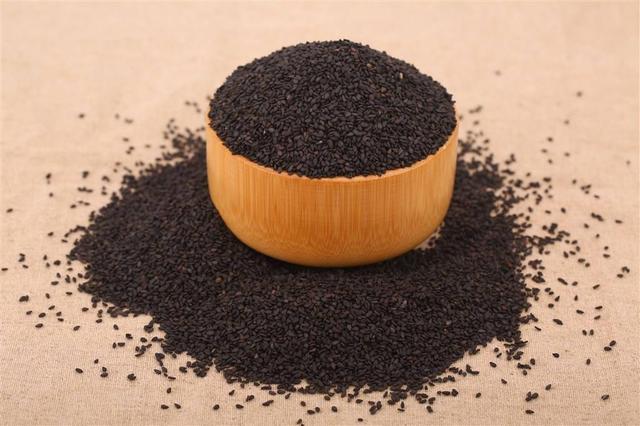 肾虚吃什么补?芝麻是补肾润肠的圣品