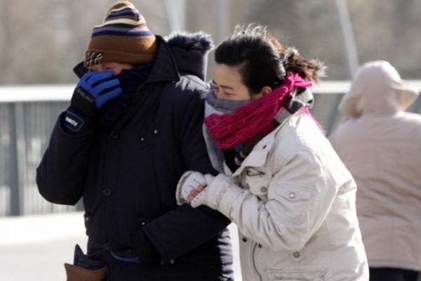 河北发布大风降温警报 局地降温8-10℃