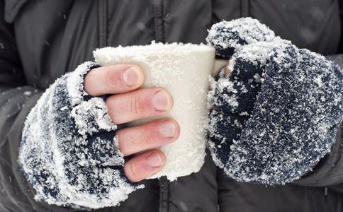 手脚冰凉为什么容易患癌 手脚冰凉如何调理 手脚冰凉吃什么食物好