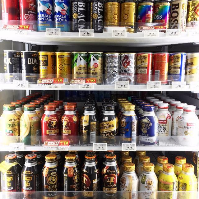 一直想问,日本人这么爱喝罐装咖啡是为何?